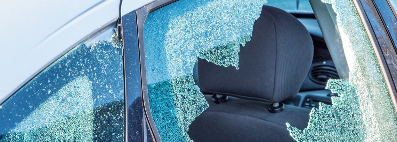 vandalen, auto vernieling, auto schade, raam kapot, raam vernield, inbraak
